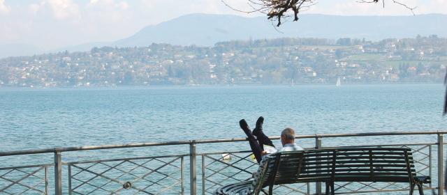 Co czytam, gdy siedzę nad jeziorem?